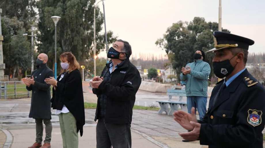 El intendente de Centenario, Javier Bertoldi, continua encerrado en la municipalidad por una protesta de empleados. (Foto: Archivo)