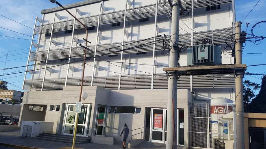 Un persona oriunda de Buenos Aires fue diagnosticada como positiva de covid-19 y está internada en la Clínica Central de Regina.