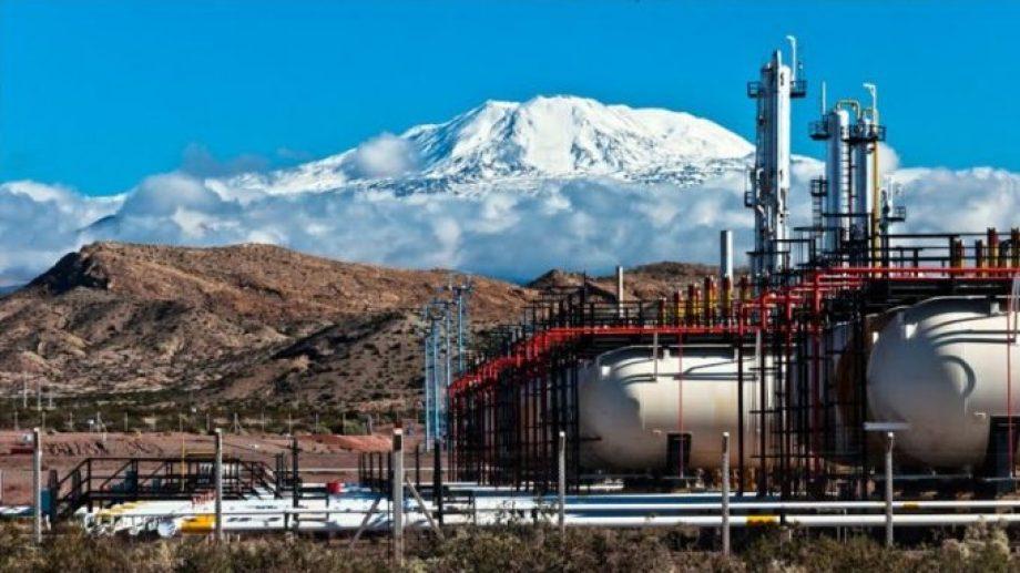 El chofer chileno viajó hasta el yacimiento El Portón, cercano a Buta Ranquil. (Gentileza).-