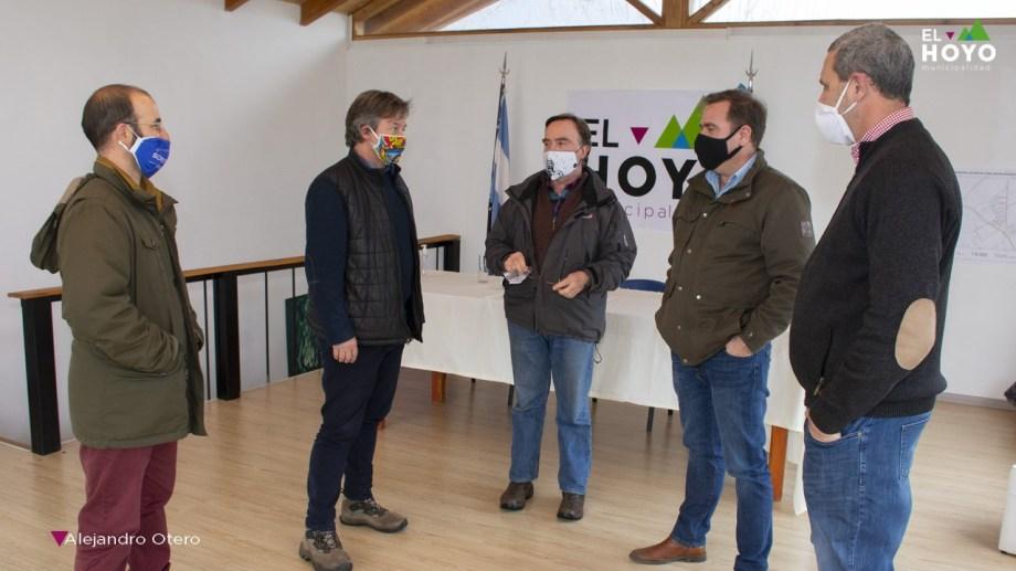 El encuentro de los tres intendentes fue en El Hoyo. Foto: gentileza