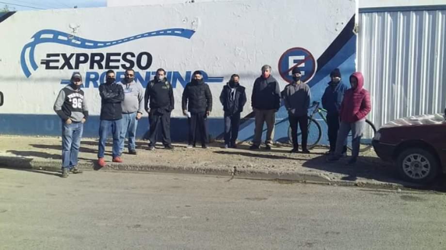 Desde que comenzó el reclamo, los trabajadores recibieron el apoyo de vecinos y organizaciones sociales y políticas. Foto: gentileza.