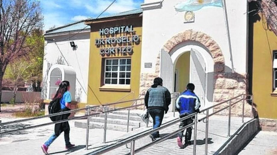 Desde el hospital de Jacobacci buscan los nexos. Foto: archivo