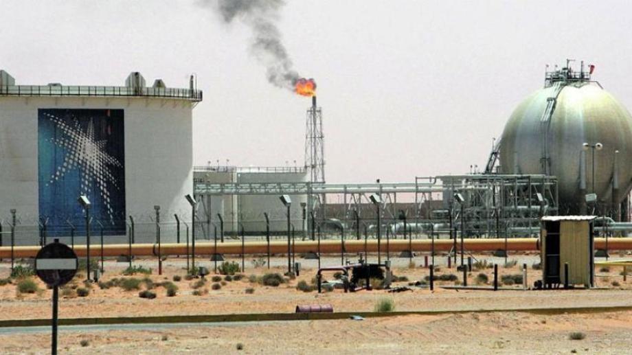 Arabia Saudita lidera los recortes de producción.