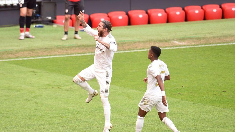 Sergio Ramos, de penal, volvió a darle el triunfo al Real Madrid.