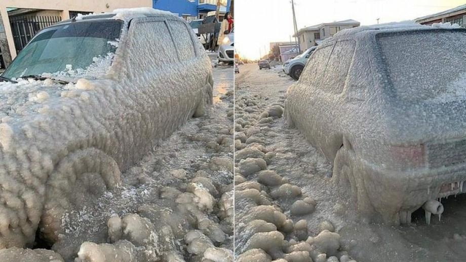 Un auto congelado en Río Grande, Tierra del Fuego. La temperatura llegó a -14.9°C.