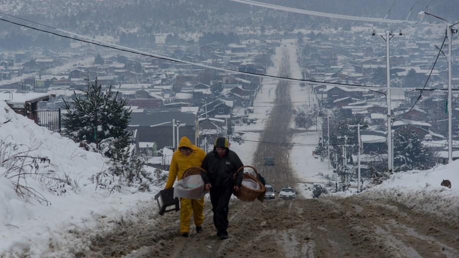 Las lluvias y nevadas complican el estado de las calles de tierra de Bariloche. Archivo