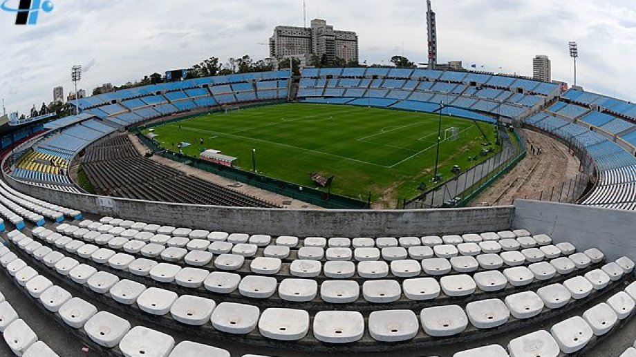 El Centenario es uno de los estadios de Montevideo que podría ser utilizado.