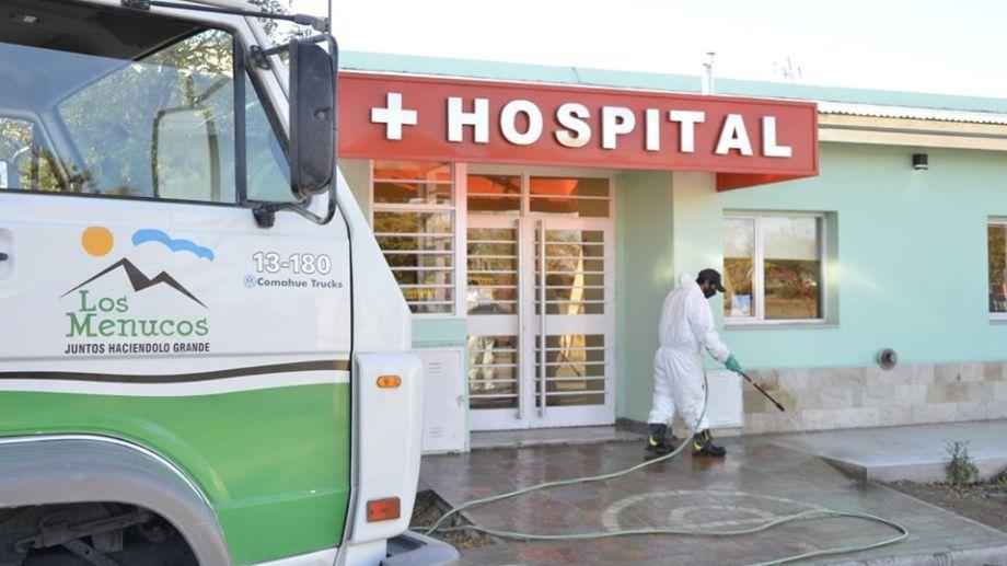 La semana pasada una mujer que estaba internada en el hospital de Los Menucos, recibió el alta y la localidad quedo sin casos activos. (Foto: Gentileza)