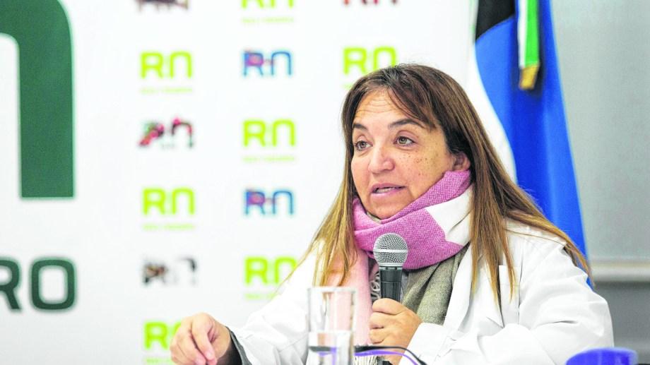 La doctora Mercedes Iberó, secretaria de Relaciones Institucionales del Ministerio de Salud rionegrino, informa el parte diario. (Foto: Prensa Gobierno de Río Negro)