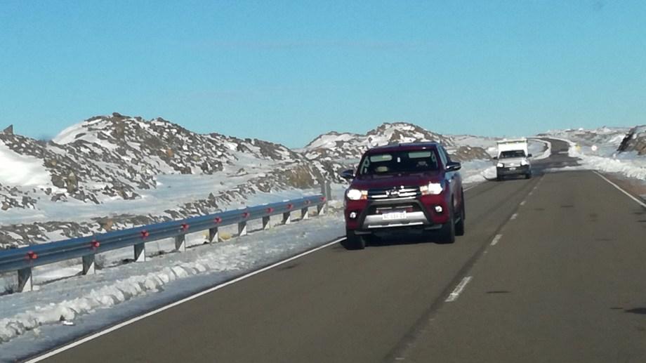 Debido al temporal de nieve, la ruta estuvo cerrada al tránsito durante varios días. (foto: José Mellado)