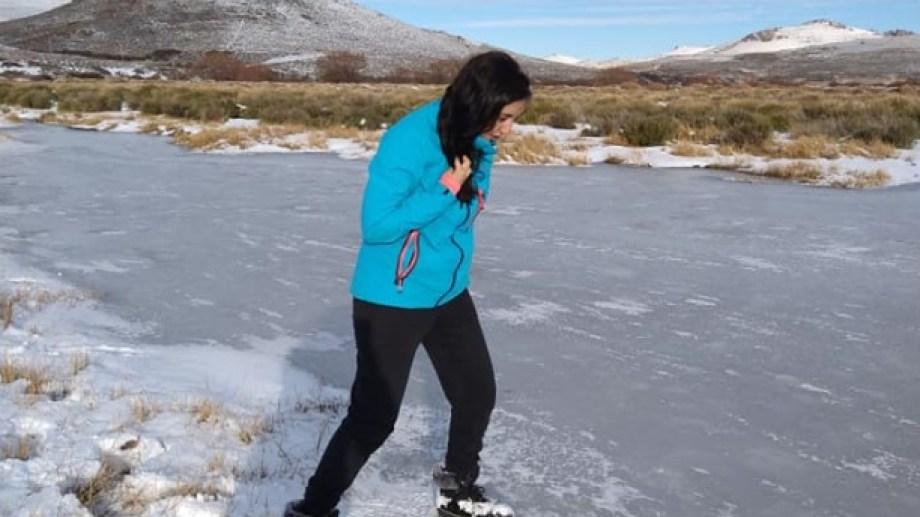 Las aguas del río están cubiertas con  una gruesa capa de hielo. (Foto: gentileza Silvana Marquez)