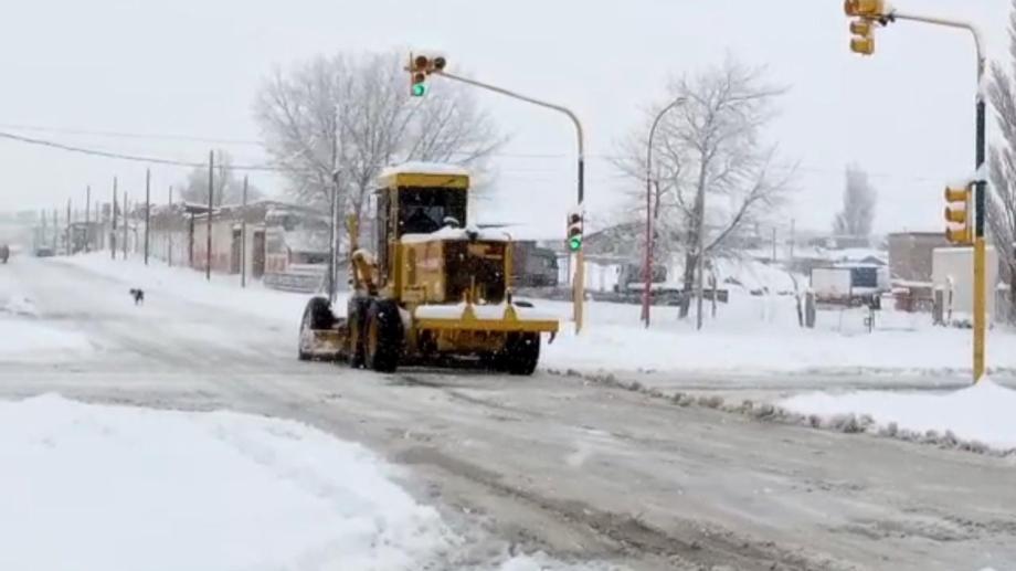 En la zona de Zapala se registran intensas nevadas. (Gentileza).-