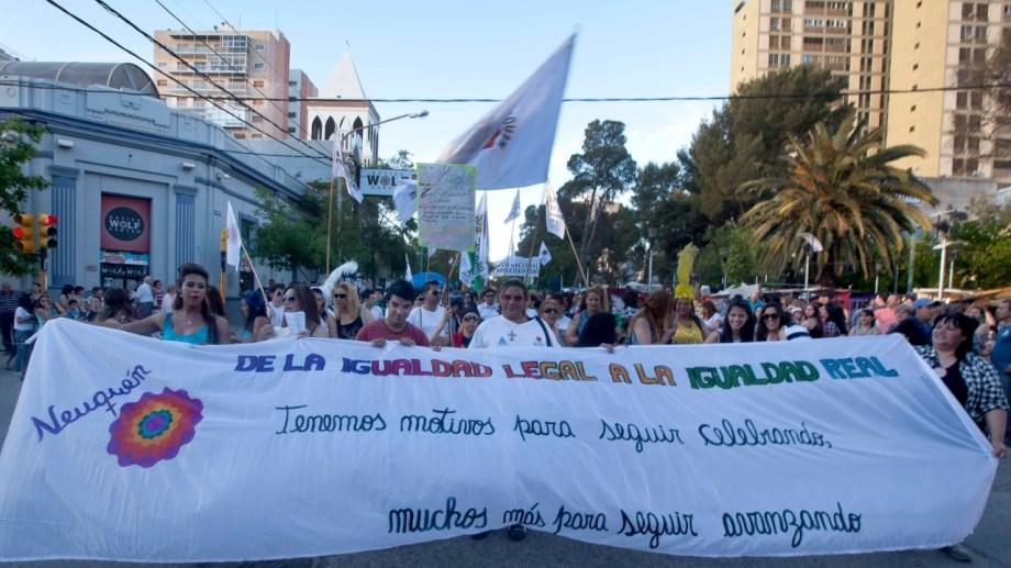 El activismo histórico del movimiento LGBTIQ+ es lo que hizo posible la sanción de la ley. Foto archivo diario Río Negro.