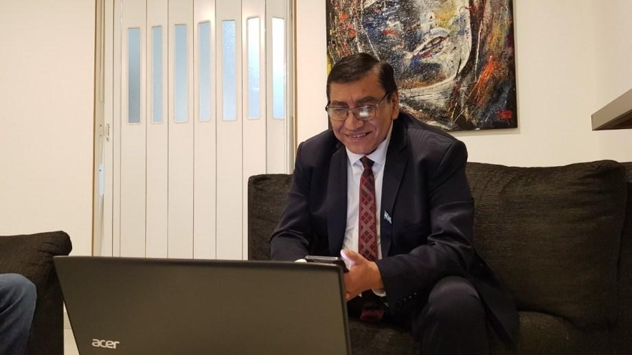 El intendente de Cutral Co, José Rioseco durante la videoconferencia. Foto: Gentileza