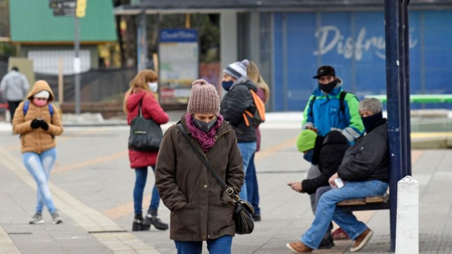 Los domingos no está permitido circular en el conglomerado urbano de Neuquén capital que registra transmisión comunitaria de coronavirus. Foto Florencia Salto.