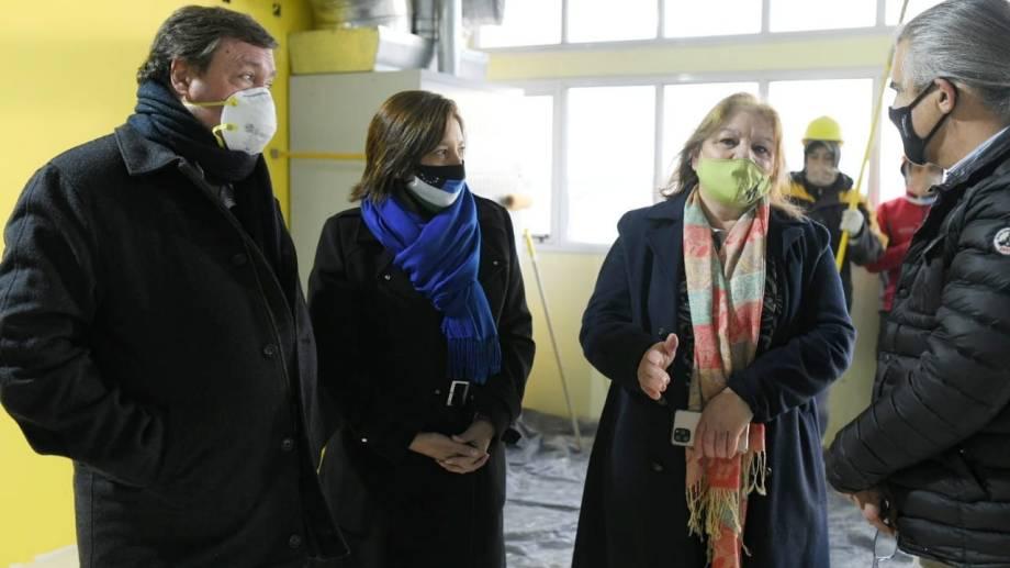 La gobernadora Arabela Carreras inauguró el Nodo de Transporte de Los Menucos y lo hizo con el senador Alberto Weretilneck.