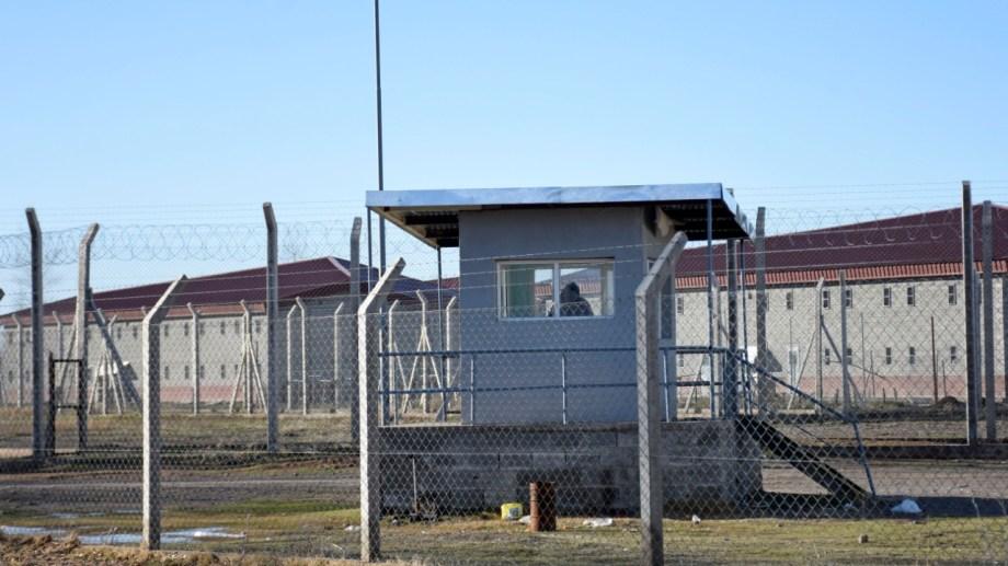 El Servicio Penitenciario de la Cárcel de Senillosa fuertemente afectado por la pandemia (Foto: Florencia Salto)
