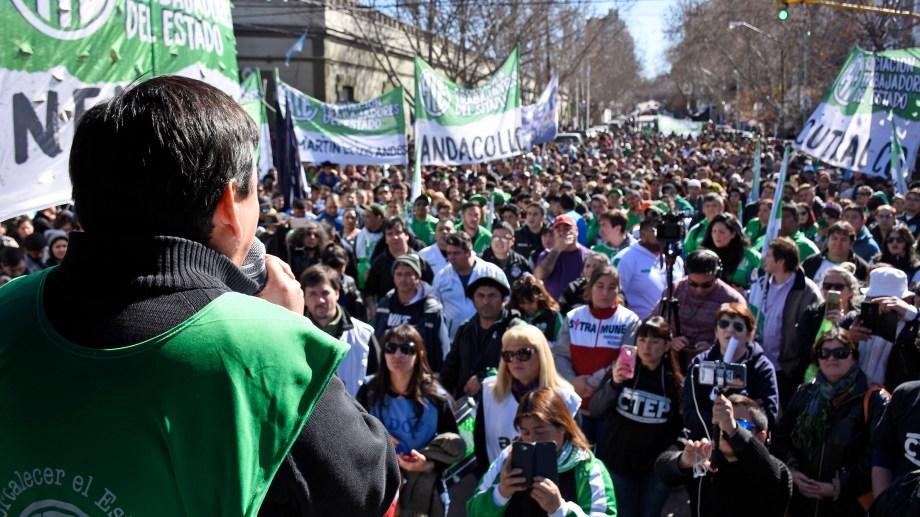 Carlos Quintriqueo propuso que se haga un pedido a Nación para pagar el aguinaldo entero. (Florencia Salto, archivo)
