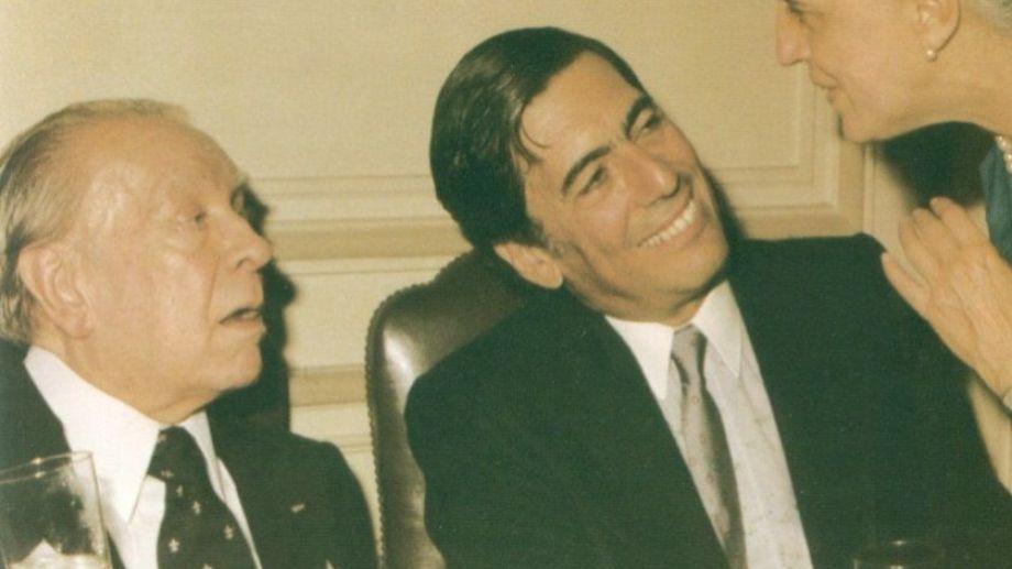 Vargas Llosa entrevistó pro primera vez a Borges en 1963: Luego, se sucederían decenas de encuentros.