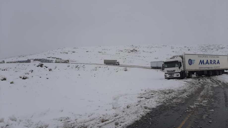 En las últimas semanas hubo varios cortes de ruta por las intensas nevadas. Foto: gentileza