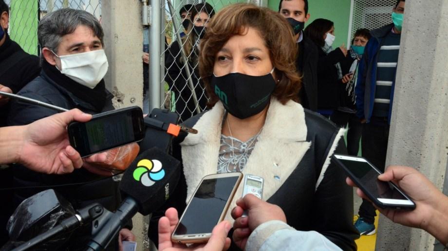 Carreras hizo declaraciones en Viedma, tras el positivo de uno de sus ministros. Foto: Marcelo Ochoa.