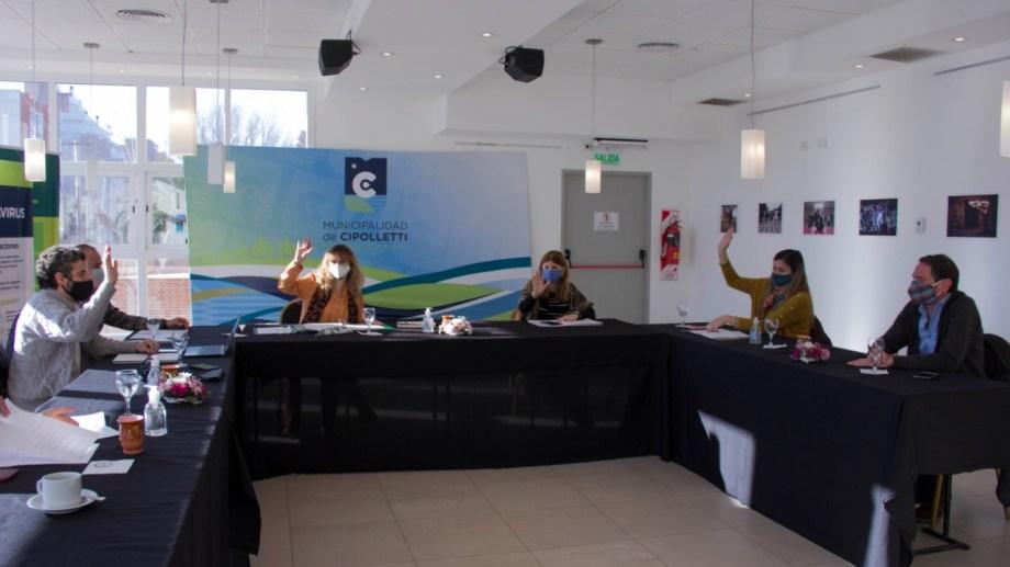 El Concejo Deliberante de Cipolletti sesionó en el Centro Cutural. (Foto: Gentileza)