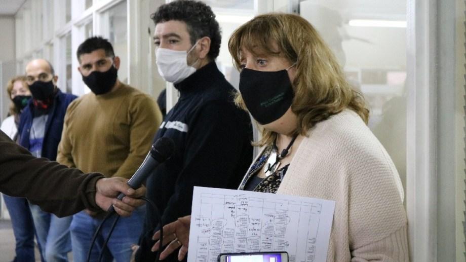 Los encuentros fueron presididos por la ministra de Educación, Mercedes Jara Tracchia. Foto: gentileza.
