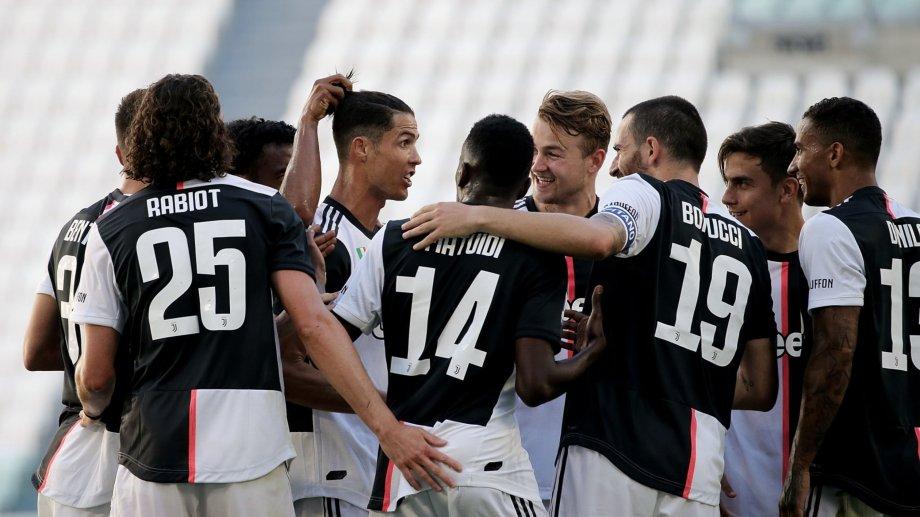 Cristiano Ronaldo convirtió su primer gol de tiro libre en la Serie A.
