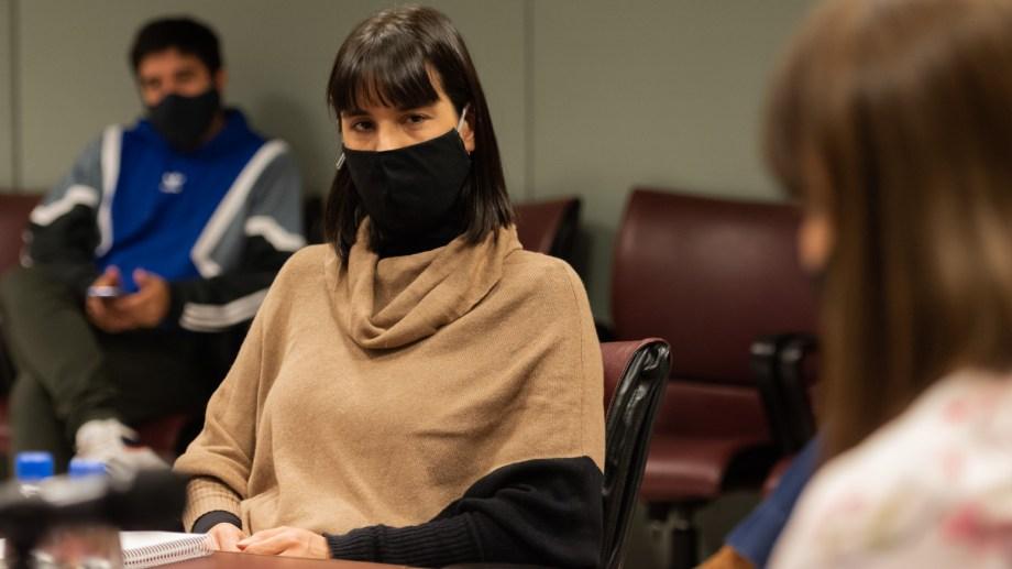 Leticia Esteves, diputada de Juntos por el Cambio, recordó el cambio de Omar Gutiérrez respecto al consenso fiscal de Mauricio Macri. (Legislatura Neuquén)