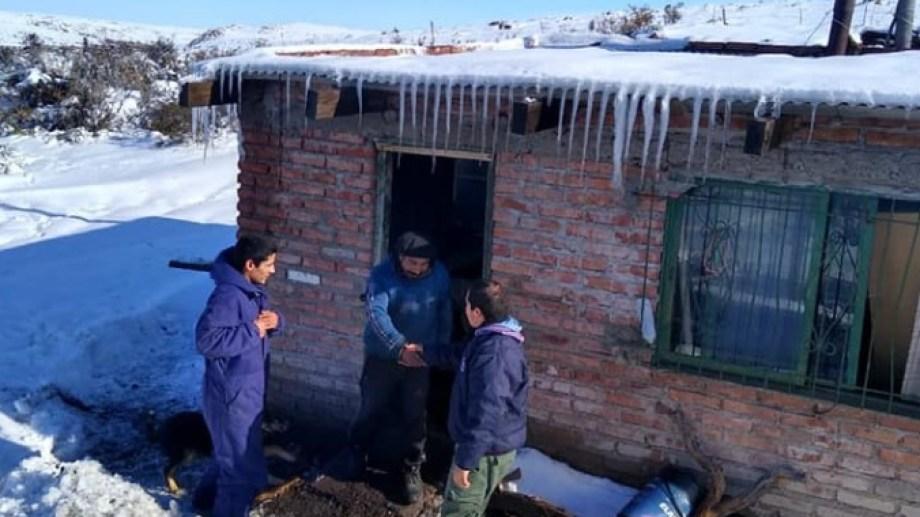 La gente del campo se prepara para afrontar la crudeza del invierno en la Región Sur. (foto: gentileza)
