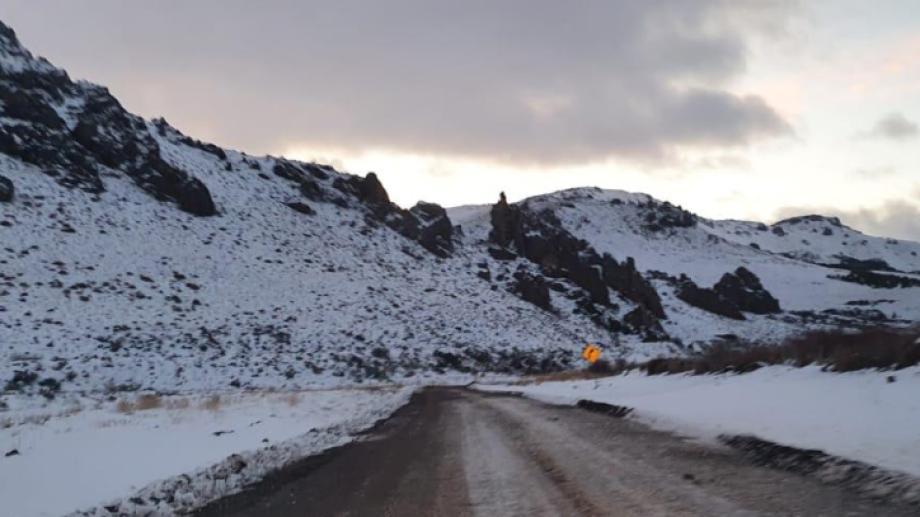 La ruta 23 presenta hielo y la circulación está habilitada con extrema precaución. Archivo