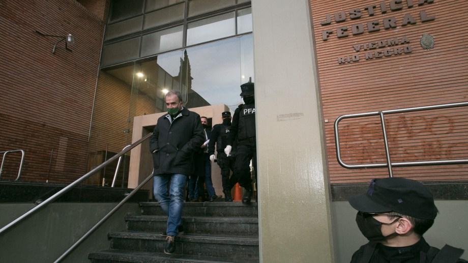 El intendente Pesatti se presentó ante el juzgado federal de Viedma. Foto: Pablo Leguizamón.