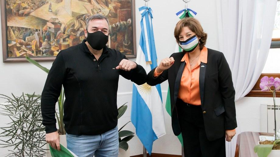Aguiar y Carreras se reunieron en la Casa de Gobierno. Foto Gentileza Secretaria de Medios de Río Negro.