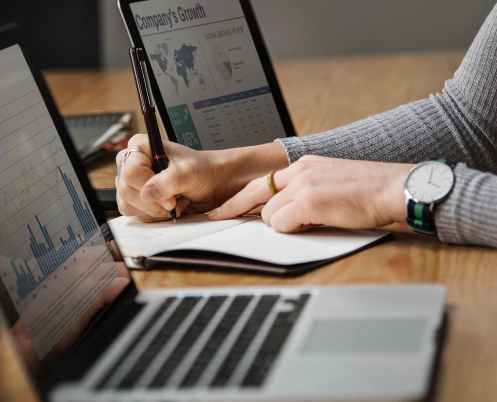 Diez cursos clave que buscan las empresas en tu currículum... ¡y gratis!
