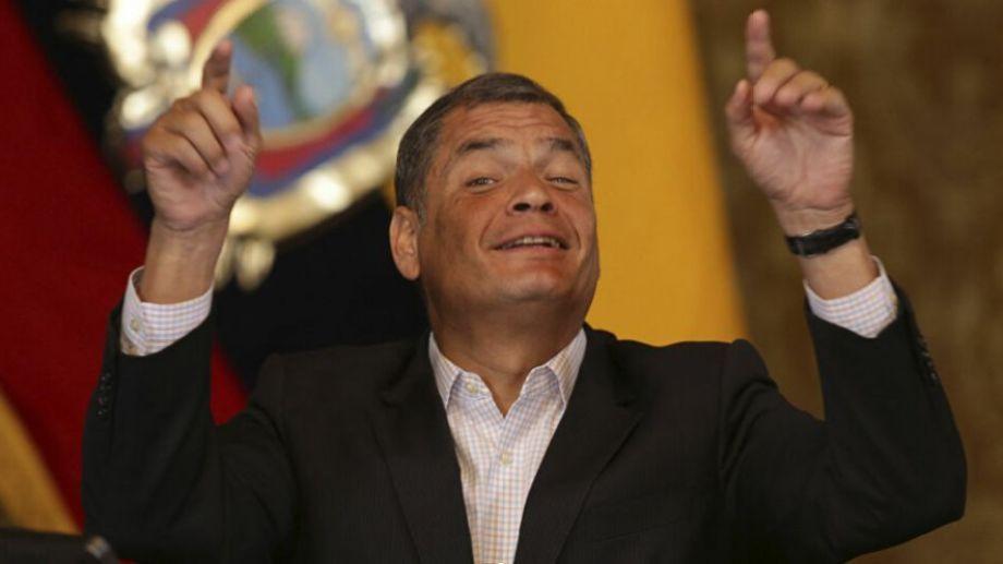 Correa se encuentra en Bruselas, y su presentación se hizo en redes sociales.-