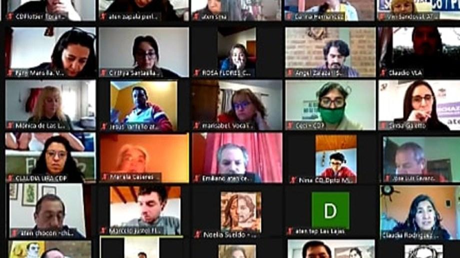 El plenario del gremio docente se realizó por videoconferencia. Foto: Prensa ATEN