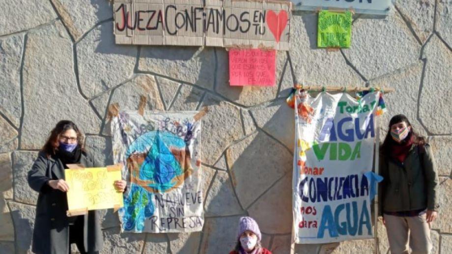 Las asambleas socioambientales comunicaron que la jueza Castro aceptó el pedido de recurso de amparo. Gentileza.-