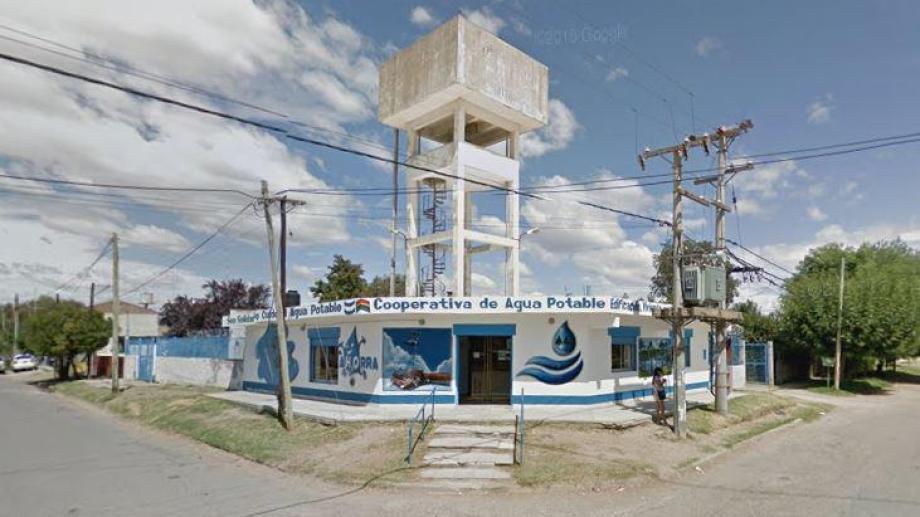 La sede de la cooperativa de agua de Plottier permanecerá cerrada por un caso de coronavirus. (Captura).-