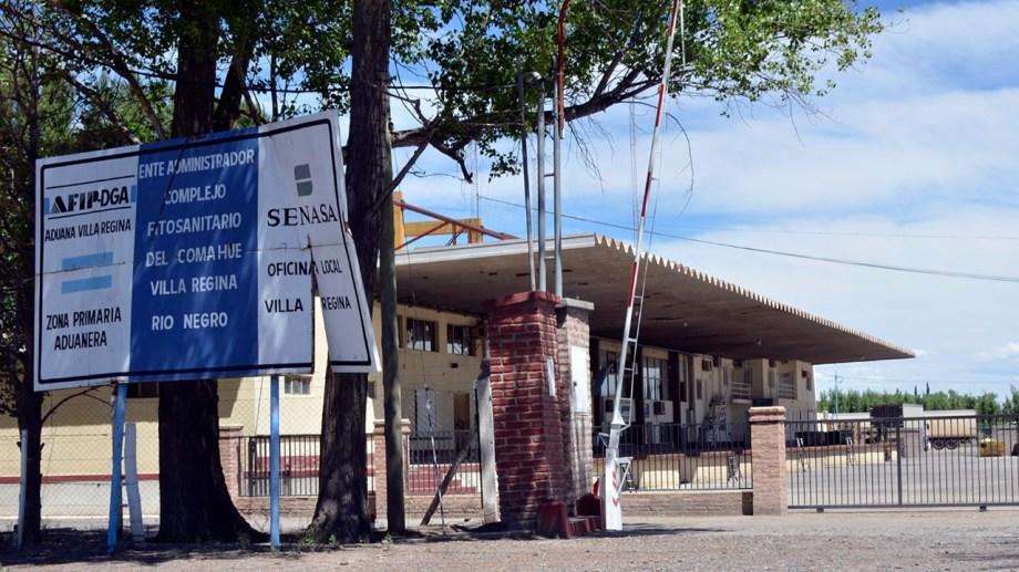 Se suspendió la actividad del Senasa en la Aduana de Regina por un caso de covid-19. (Foto Néstor Salas)