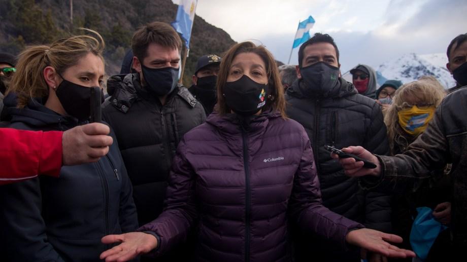 """""""Vine porque me lo pidieron y es mi obligación"""", dijo la gobernadora en el reclamo. Foto: Marcelo Martínez"""