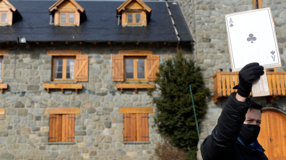 Hay unos 400 trabajadores del Casino de Bariloche, El Bolsón e Ingeniero Jacobacci. Foto: Alfredo Leiva