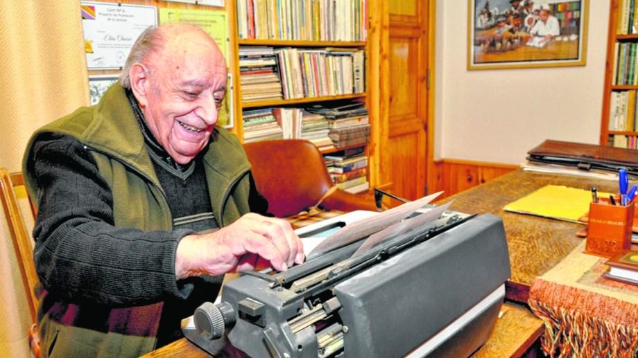 Elías Chucair será una de las personalidades de la cultura patagónica a las que se les rendirá homenaje en el congreso.