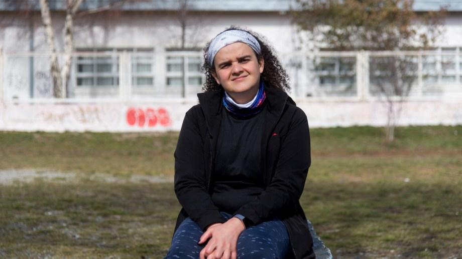 """La ingeniera mecánica e investigadora del Centro Atómico Bariloche lleva adelante estudios en materiales con """"memoria inteligente"""" e impulsa una mejor inclusión de las mujeres y las diversidades en las ciencias."""