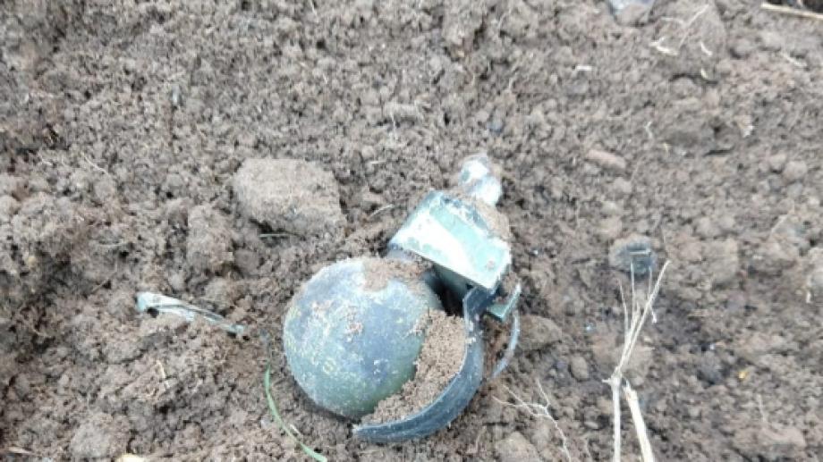 Una de las granadas fue detonada por personal policial. (foto: gentileza Policía de Río Negro)