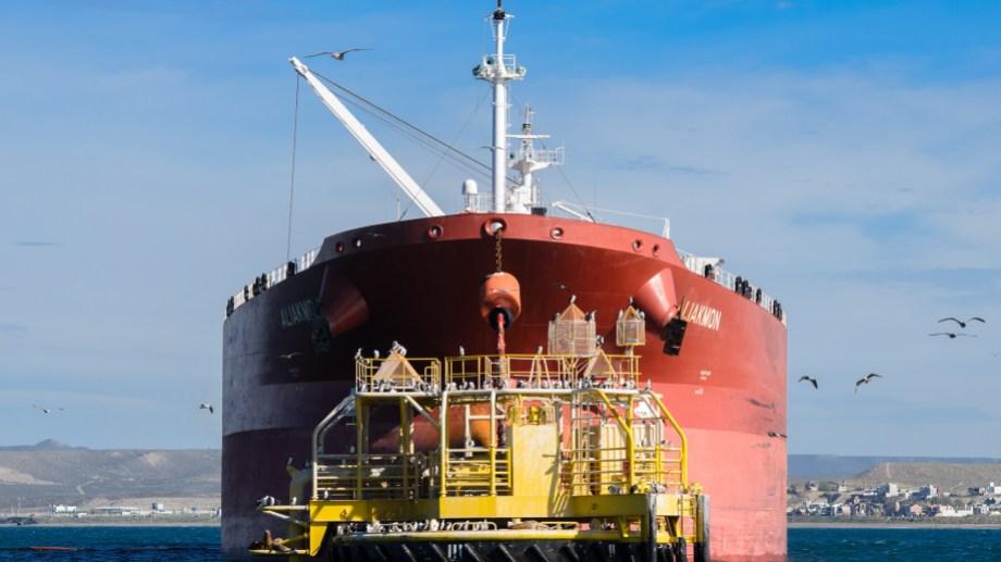 La crisis de demanda disparó las exportaciones de petróleo que hasta octubre sumaron más de 25 millones de barriles.