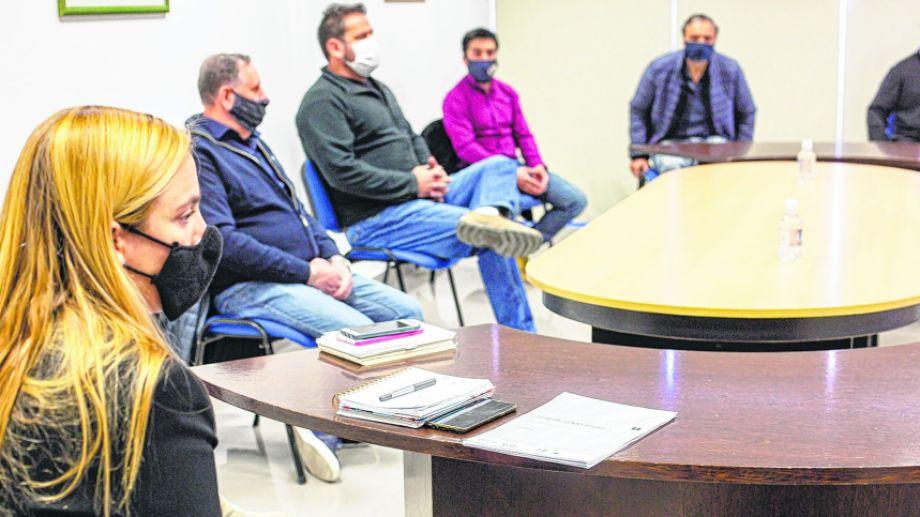 El Comité de Emergencia Sanitaria se reunió en el Concejo y limó asperezas con el sector, que había hecho críticas el fin de semana.