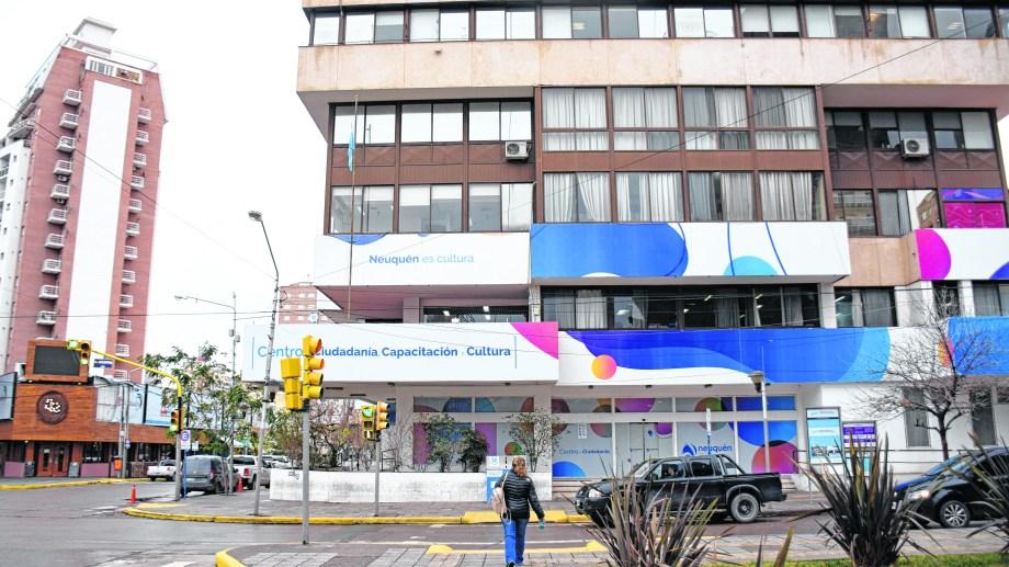 La dependencia municipal del centro de Neuquén. Foto: Florencia Salto