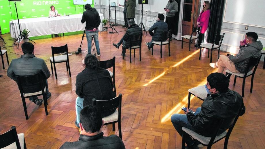Conferencia de prensa de la gobernadora arabella carreras Foto: gentileza Secretaria de Medios.