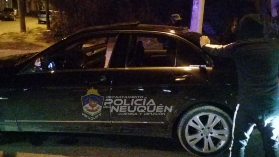 Un hombre de 27 años fue detenido a bordo de un Mercedez Bens con 0,54 gramos por litro de alcohol en sangre.