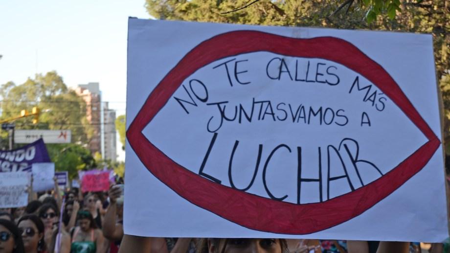 Si sufrís violencia de género o conocés a alguien en esa situación, llamá al 144. (Archivo Juan Thomes).-
